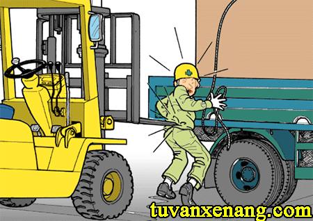 cach-lai-xe-nang-an-toan