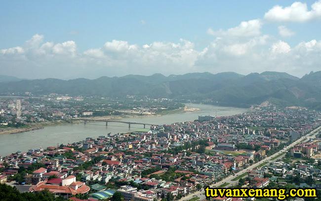 xe-nang-tai-Hoa-Binh